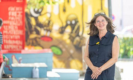 Am Platz zwischen Bad zur Sonne und der Andräschule haben wir Elke Kahr zum Interview getroffen.