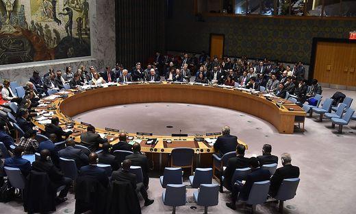 Westliche Kriegsallianz greift mit Bomben und Raketen Damaskus an
