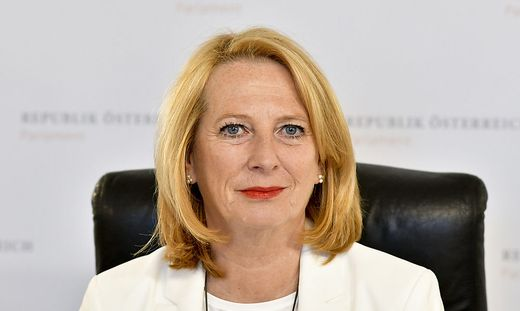 """Doris Bures: """"Vorsichtig sein mit Verfassungsänderungen"""""""