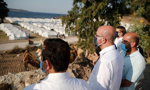Charles Michel, Präsident des Europäischen Rates, besucht das neue  provisorische Lager in der Nähe von Kara Tepe