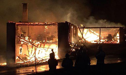 Das Gebäude wurde ein Raub der Flammen