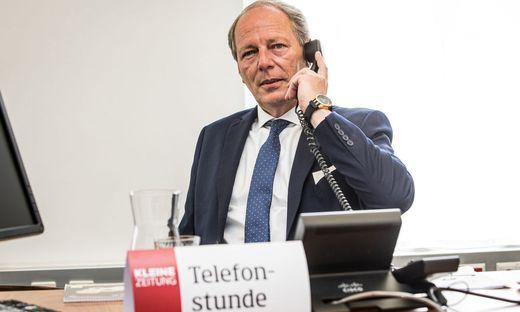 Alexander Jelly, Vizepräsident der Kärntner Rechtsanwaltskammer gibt Auskunft