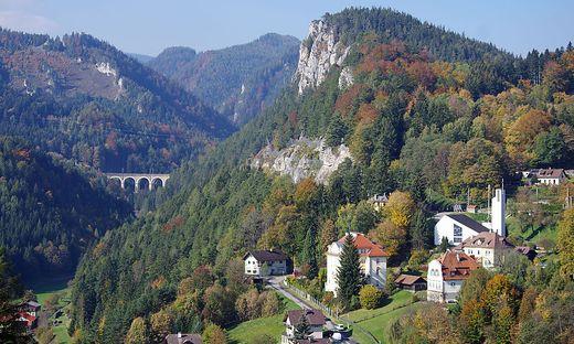 Die Bahn eröffnete den Wienern den bequemen Weg in die alpine Landschaft