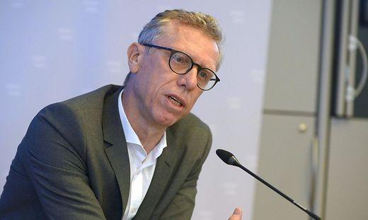 CORONAVIRUS: PK ZU 'PERSPEKTIVEN FUeR MANNSCHAFTSSPORT'