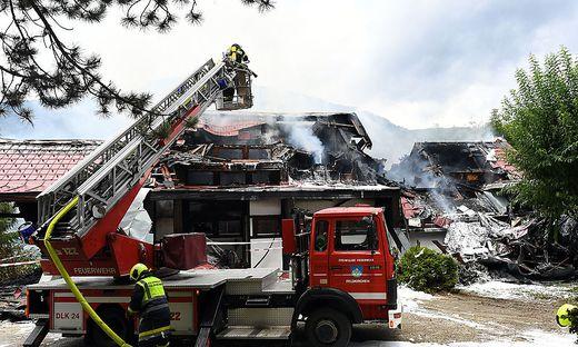 Das Feuer ist mittlerweile unter Kontrolle, der Sachschaden enorm