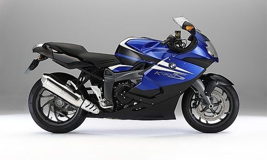 Motorrad mit Leichtverkleidung