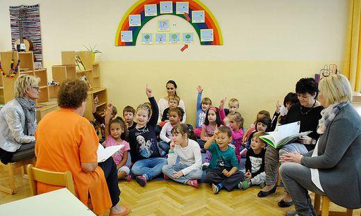 Waltraud Jann stellte ihr Buch im Rauscherpark-Kindergarten vor.