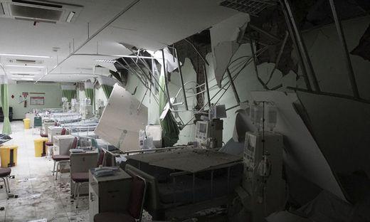 Mindestens eine Tote nach Erdbeben vor Indonesien