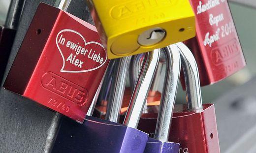 GERMANY LOVE LOCKS