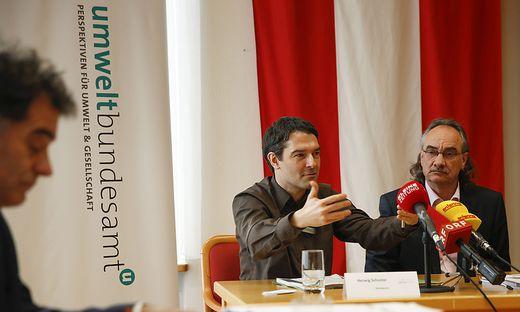 Herwig Schuster von Greenpeace und Karl Kienzl vom Umweltbundesamt geben grünes Licht für das Görtschitztal