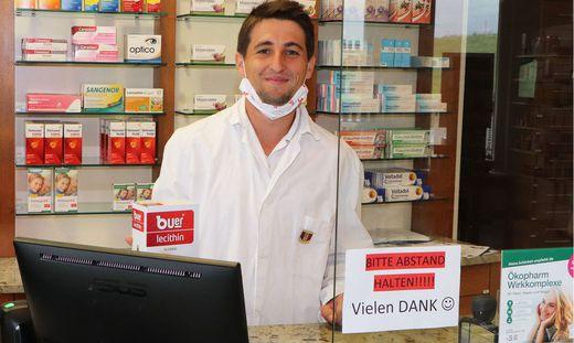 Martin Waditzer arbeitet mit Leidenschaft in der Vitalis Apotheke in Feldkirchen