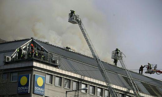 Der Einsatz beim Donauzentrum dauerte mehrere Stunden
