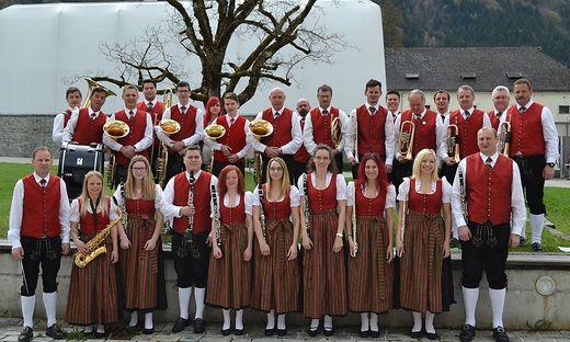 Die Musiker der Trachtenkapelle im Gruppenbild