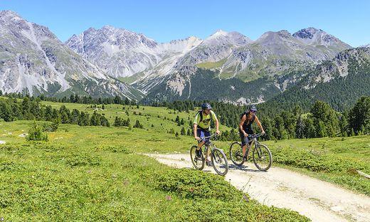 Mit E-Mountainbikes kommt man sogar in Regionen, die sonst für einen unerreichbar scheinen
