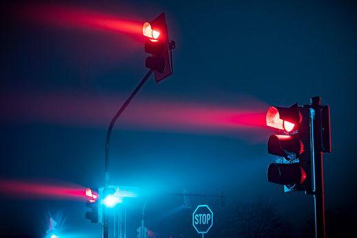 Verkehrsampel mit rotem Licht