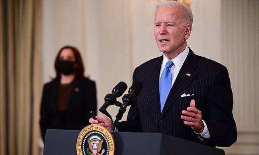 US-Präsident Joe Biden (im Hintergrund: Vize-Präsidentin Kamala Harris)