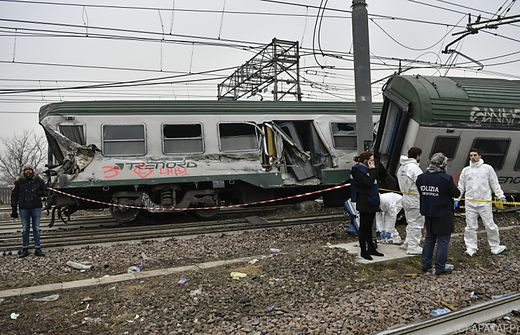 Mailand, Italien: Zug entgleist! Mindestens 2 Tote und 110 Verletzte