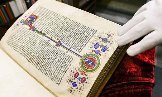 Bibel aus Gutenbergs Druckpresse wird versteigert