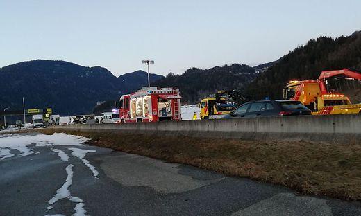 Schwerer Unfall kurz vor der Landesgrenze zur Steiermark