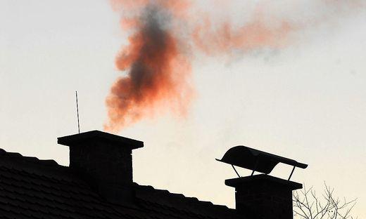 """""""Am Abend gibt es die mit Abstand dreckigste Luft – und zwar dort, wo die Menschen wohnen"""", klagt Kachelmann über den Unsinn der Holzöfen"""