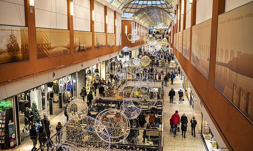 Nach dem Weihnachtsgeschäft kam der große Umtausch. Am Silvestertag sperren die City Arkaden in Klagenfurt aber um 14 Uhr zu