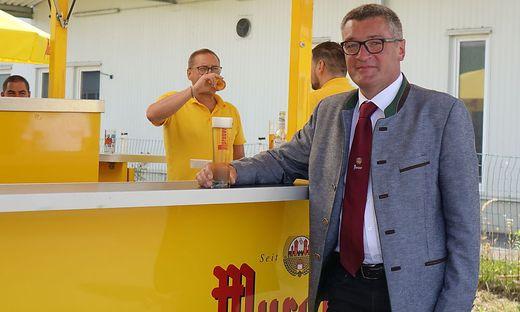 """Maximal drei Seidel täglich ist das Ziel, zwei Tage pro Woche will Brauerei-Chef Josef Rieberer ohne Alkohol auskommen. Aber das sei in diesem Job """"situationselastisch"""""""