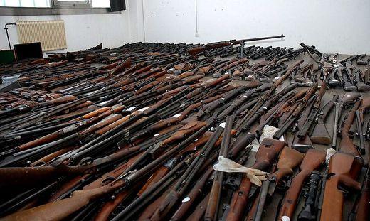 Hunderte Waffen sollen die Kärntner nach Italien geliefert haben