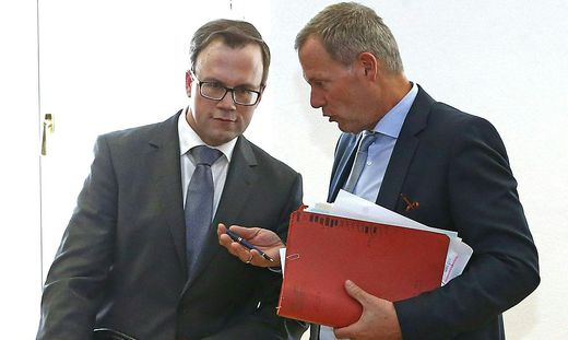 Harald Dobernig (links) mit seinem Anwalt Leopold Wagner