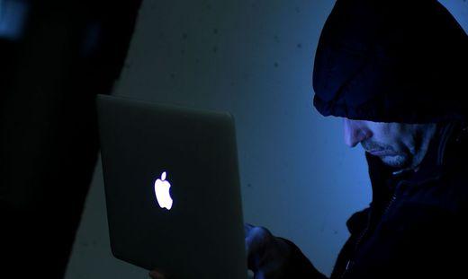 THEMENBILD: INTERNET/INTERNETKRIMINALIT�T/ONLINE/HACKER/INTERNETCODES