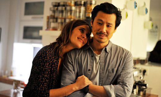 """""""Made in China"""": Julie de Bona und Frédéric Chau spielen ein glückliches Paar."""
