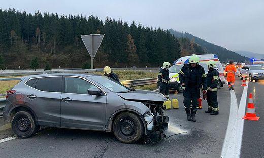 Das Fahrzeug wurde beim Aufprall stark beschädigt