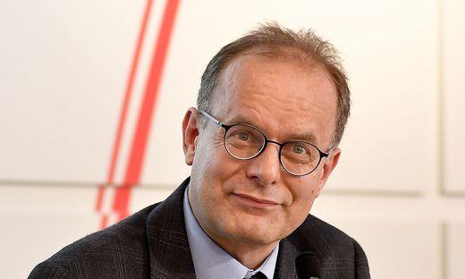Hubert Sickinger, Experte für Parteienförderung