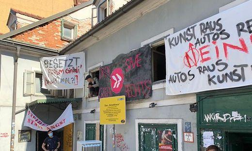 Girardihaus in der Grazer Leonhardstraße besetzt