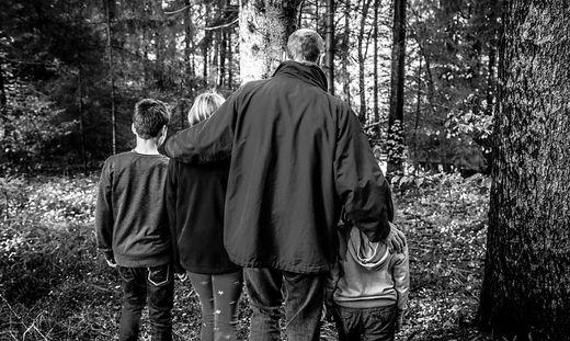 Vater Braucht Zeit Alleine Mit Seiner Stieftochter