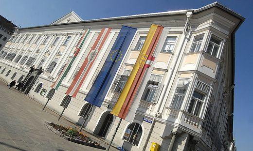 Klagenfurt Ewige Jobs Im Rathaus Ruf Nach Kündigungen