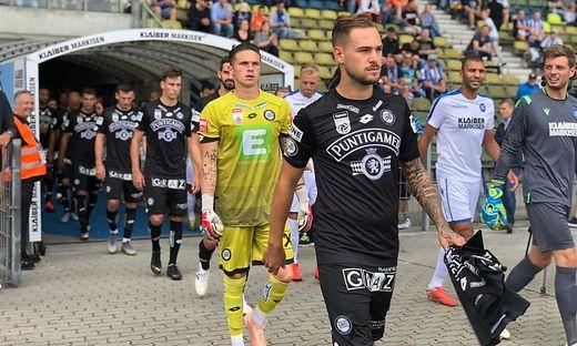 Lukas Spendlhofer führte die Mannschaft gegen Karlsruhe auf das Feld