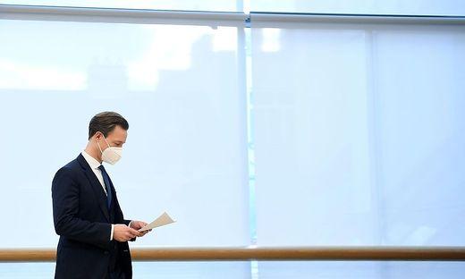 Ermittlungen gegen ÖVP-Finanzminister Blümel sorgen weiter für Wirbel in der Parei.