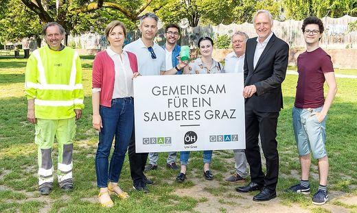 Stadtpark-Held Herbert, Stadträtin Judith Schwentner, die Stadträte Kurt Hohensinner, Günter Riegler und das neue ÖH-Team.