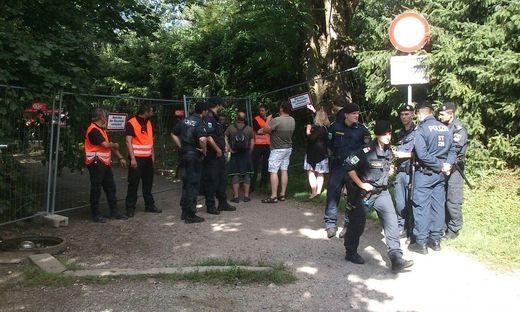 Polizeiaufgebot Montagvormittag rund um das Murcamp
