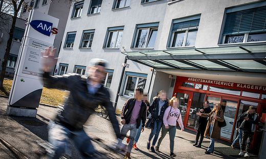 Das AMS KÄrnten meldet weiterhin sinkende Arbeitslosigkeit