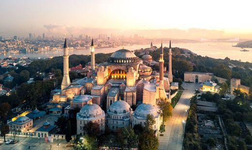 Hagia Sophia at morning twilight