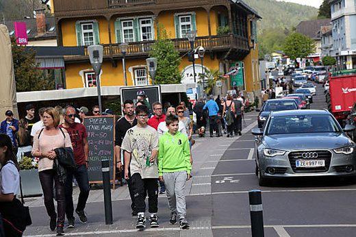 Nicht nur GTI-Fans füllten die Straßen Veldens, auch Radfahrer, Tagesbesucher und Bootsfahrer prägten das Wochenende