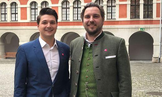 Markus Lindner (rechts) tritt künftig für die NEOS an