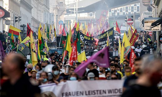 KURDEN-DEMO IN WIEN-FAVORITEN