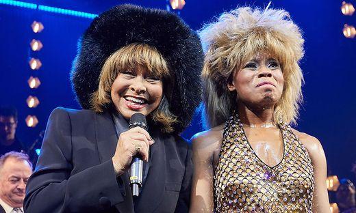 Tina Turner mit Kristina Love, der Hauptdarstellerin im Musical