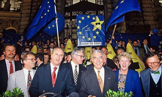 Jubel über das Abstimmungsergebnis am 12. Juni 1994