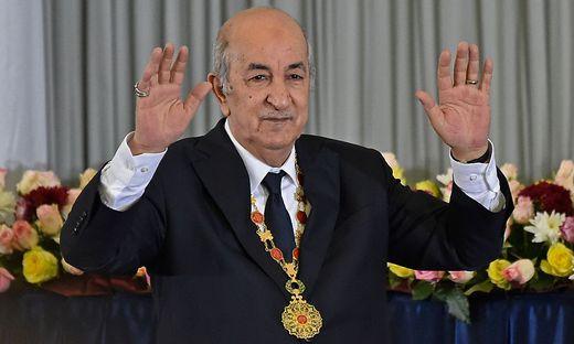 Präsident Abdelmadjid Tebboune versuchte, die Proteste zum Verstummen zu bringen