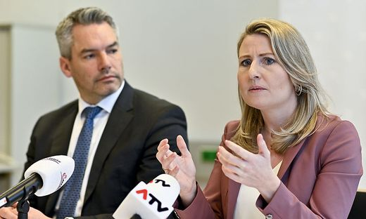 Innenminister Karl Nehamer und Frauenministerin Susanne Raab wollen die Fallkonferenzen reaktivieren