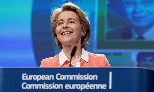 TOPSHOT-BELGIUM-EU-COMMISSION-POLITICS