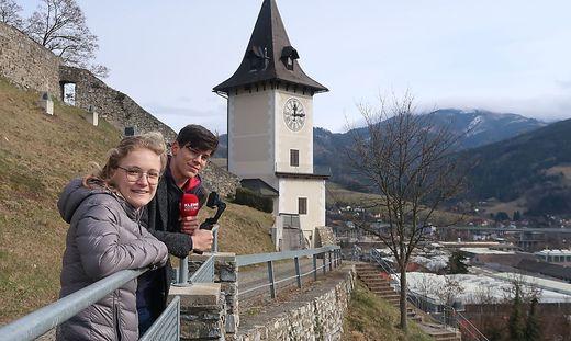 Anna-Maria Pongruber und William Széll auf dem Brucker Schlossberg